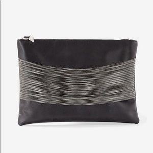 Zipper detail cool shoulder bag or clutch.